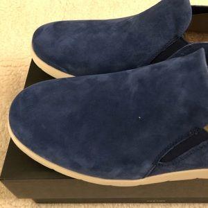 74fbf8b2023 UGG Men's Knox Suede Slip On Sneaker, Blue NWT
